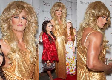 """Alexander Skarsgard jako... """"seksowna blondynka""""! (ZDJĘCIA)"""