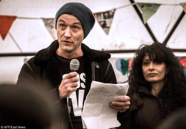 Ekipa Jude Lawa ZAATAKOWANA W OBOZIE DLA UCHODŹCÓW w Callais!