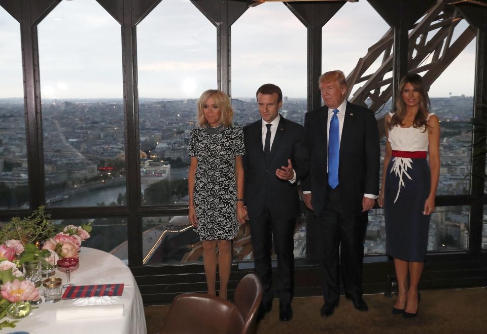 Emmanuel Macron z żoną Brigitte i Donald Trump z Melanią