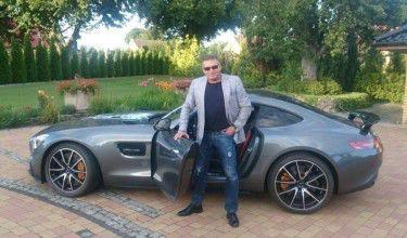 Rutkowski chwali się sportowym autem