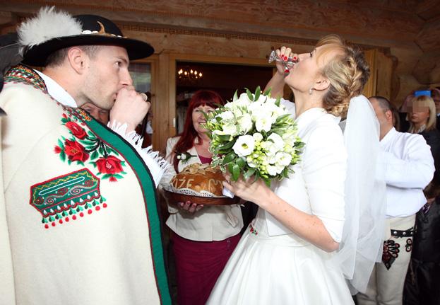 GÓRALSKI ślub Anny Guzik! (ZDJĘCIA)
