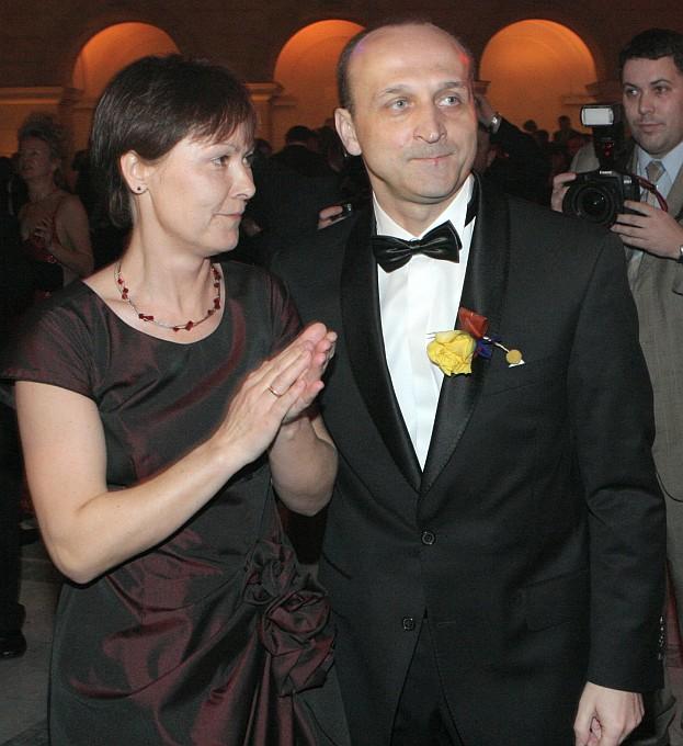 """Marcinkiewicz ZOSTAWIŁ """"ISABELL"""" i wrócił do żony?!"""