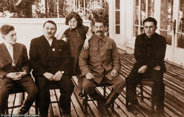 Tak wygląda... wnuczka Józefa Stalina!