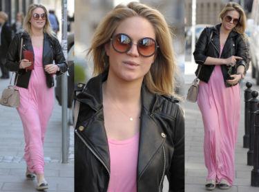 Ciężarna Ślotała w różowej sukience (ZDJĘCIA)
