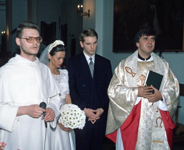 Rusin oddała na aukcję... suknię ślubną!