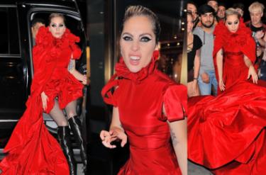 Lady Gaga jak… Czerwony Kapturek? (ZDJĘCIA)