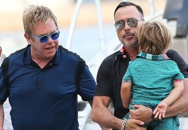 Elton John uratował ukraińską rodzinę!