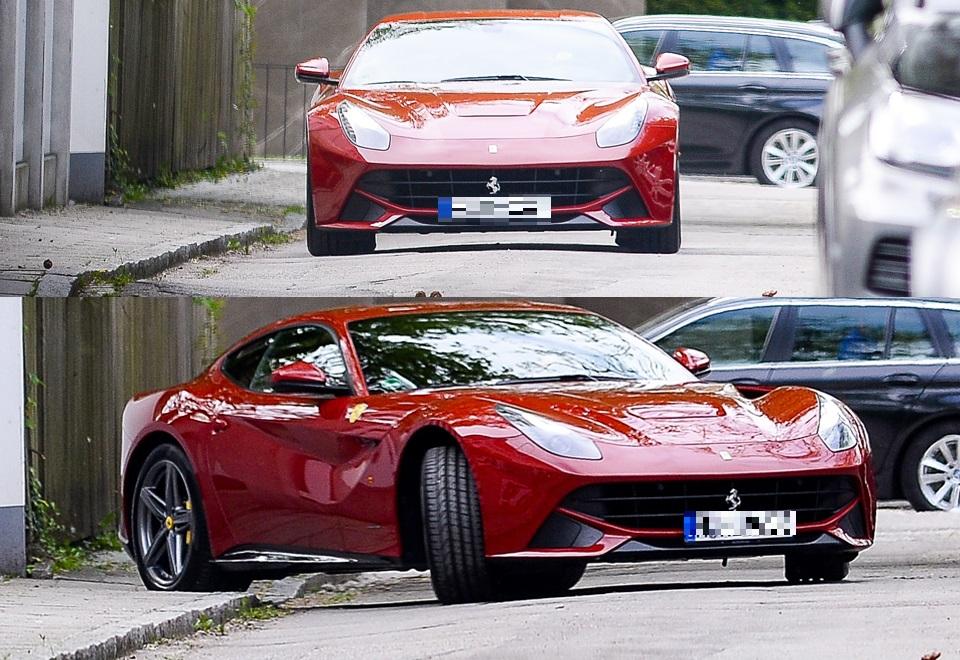 Robert Lewandowski lansuje się w drogich autach