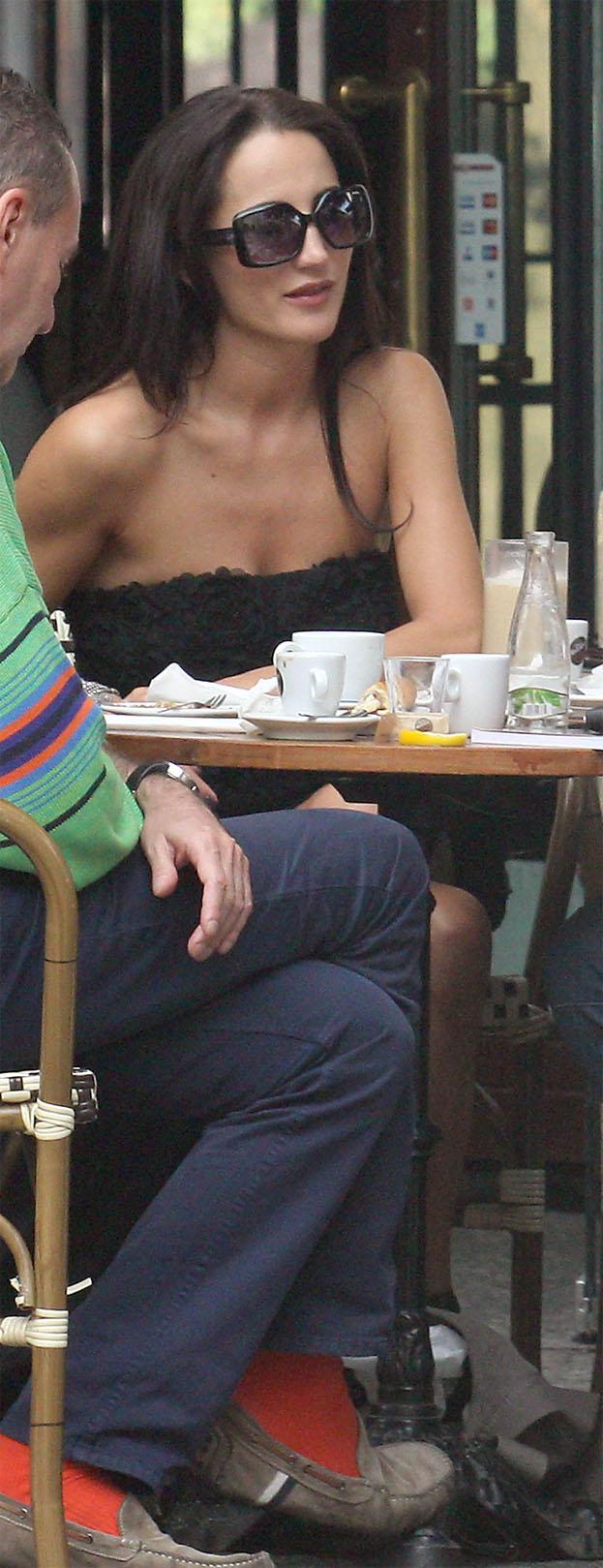 Steczkowska znowu pokazuje nogi! SEKSOWNA?
