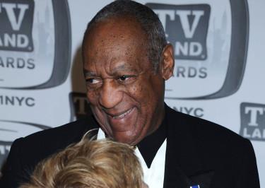 Cosby ŚMIEJE SIĘ Z OSKARŻEŃ O GWAŁTY! Udawał, że płacze...