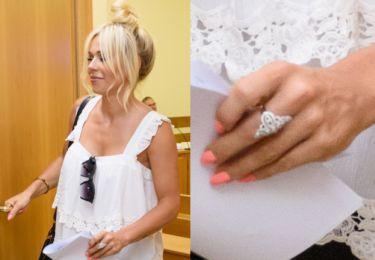 Doda też ubezpieczy pierścionek zaręczynowy?